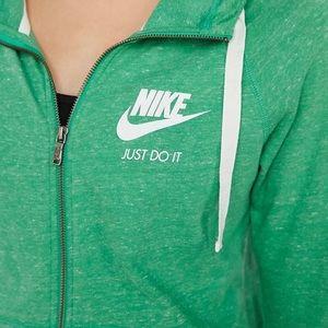 Nike Vintage Zip-up size M